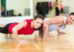 Paar trainiert mit dem moveguard Trainingsplan